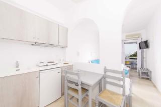 apartment-three-santorini-01