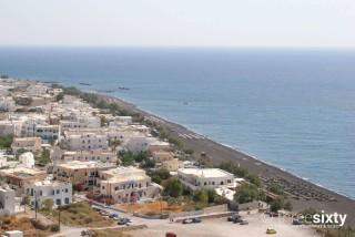kamari-beach-01