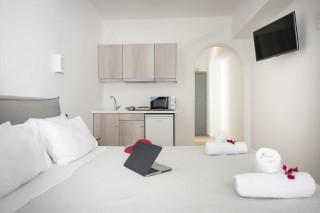 santorini-deluxe-suite-05
