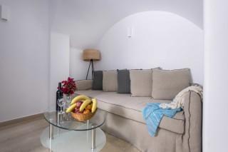 santorini-family-suite-pool-14