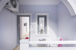 santorini-family-suite-pool-211
